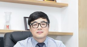 """""""The hospital is also in the mobile age,"""" said Hong Byung-jin, CEO of the health care startup in collaboration with Seoul Natio"""